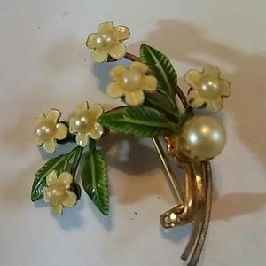 Vintage little Brooch